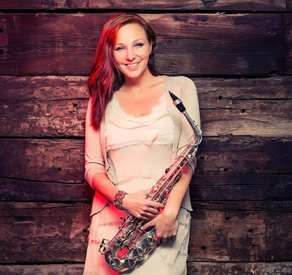 Esther Saxophonistin