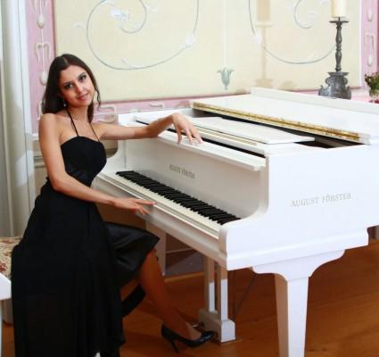 Jelena Hochzeits und Eventpianistin