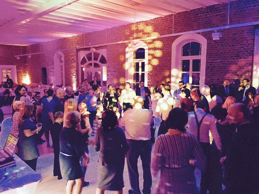 Hochzeit auf der Burg Heimerzheim Vorburg mit Musik4you Wedding DJs