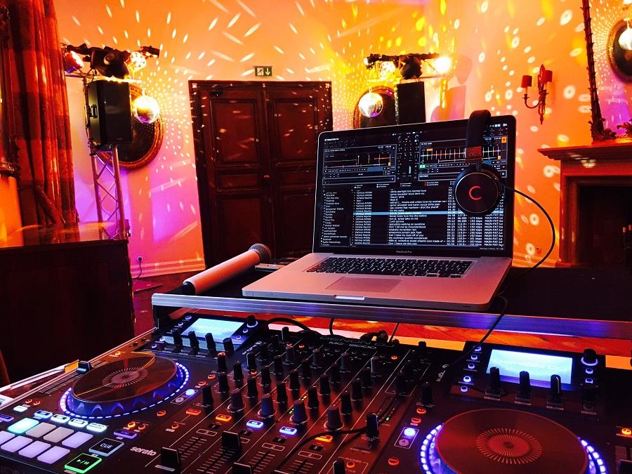 DJ Köln DJ Bonn Dj DüsseldorfSchloss Auel 1