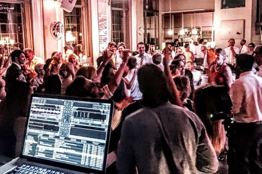 DJ Köln Kunstsalon